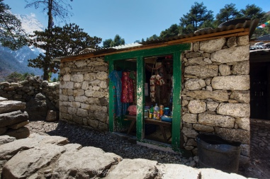 Small village shop between Namche Bazaar and Tengboche